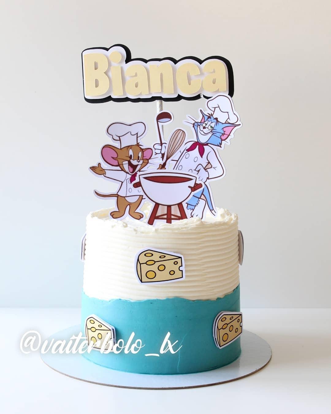 Tenho certeza que o Tom & Jerry fez a alegria de muitos aqui na infância. E foi lindo fazer esse composto para alegrar o início do novo ciclo da Bianca 🥰Papelaria: @presentepequeno..#vaiterbolohoje #almada #bolodecorado #buttercreamcake #birthdaycake #vaiterbolo #vaiterbolosim #bolo #cake #lisboapontocome #cakeart #lisboafood #buttercream #cakedesign #lisboa #ilovelisboa #cakedecorating #vaiterbololindo
